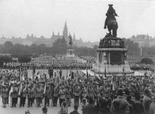Albert Hilscher: *Heimwehr* rally on Heldenplatz, 16 October 1932, photograph