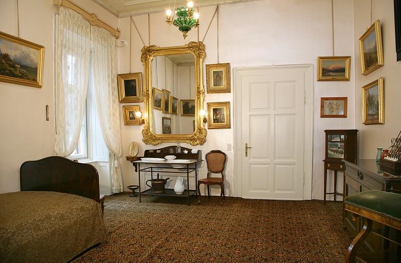 Blick in das Schlafzimmer des Kaisers   Die Welt der Habsburger