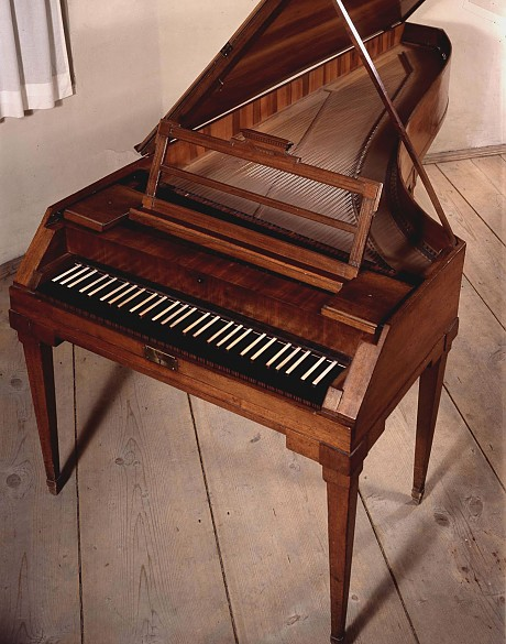 Mozart's pianoforte, by Anton Walter, c. 1780