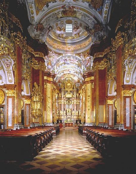 Die melker stiftskirche gilt als eines der bedeutendsten werke der