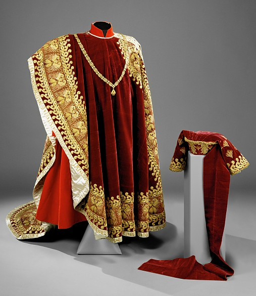 Ceremonial robes and collar of a knight of the Order of the Golden Fleece, 1712 or 1755